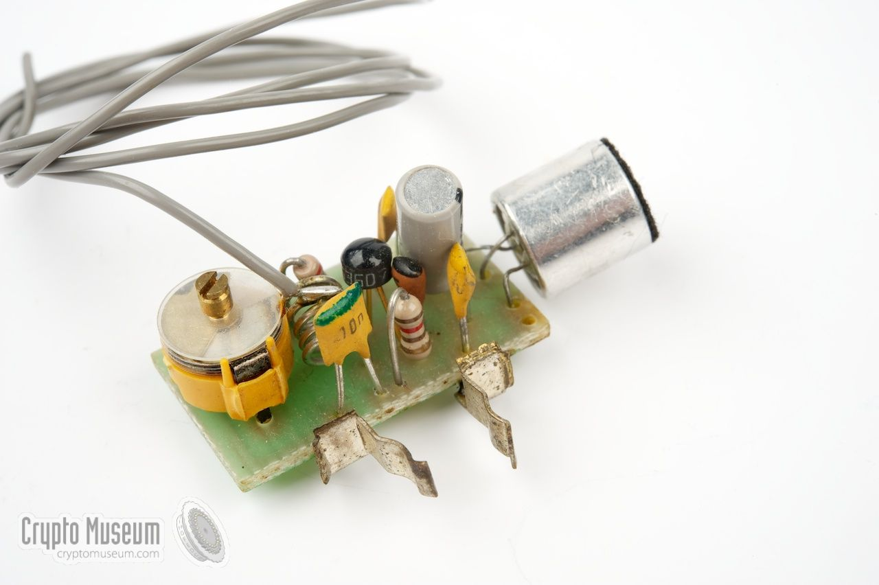 Simple Fm Bugs Stereofmtransmittercircuitpng Single Transistor Radio Bug Powered By Two 15v Button Type Batteries
