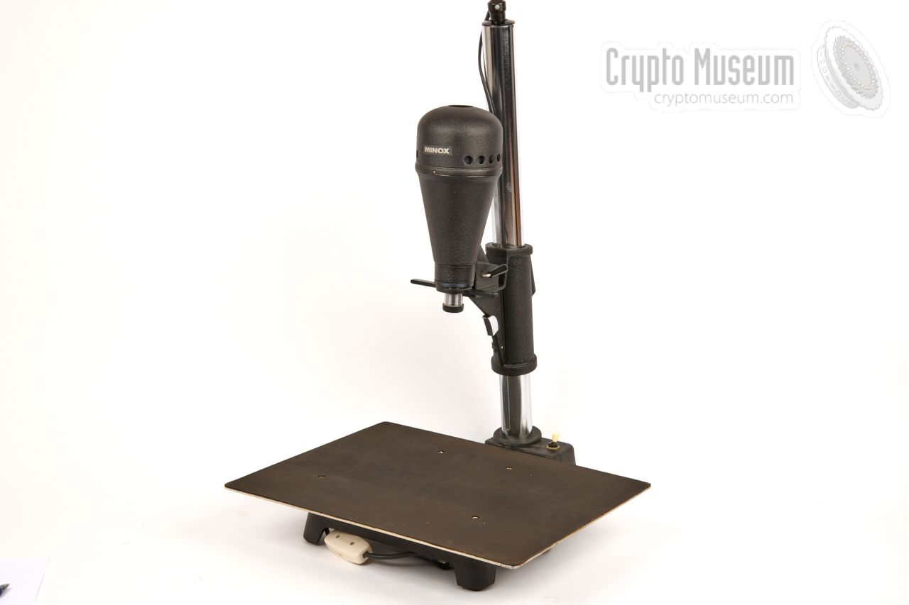 Minox enlarger for 8 x 11 mm film