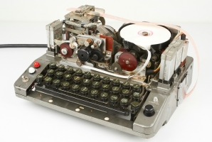 Noreen cipher machine. Click for further information.